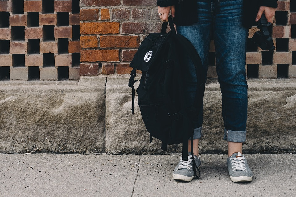 Moving away for college - Seattle Movers blog - tips for moving away to college